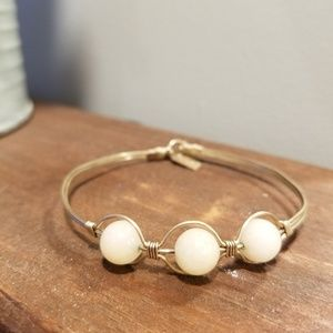 Jewelry - Handmade gold and off white beads